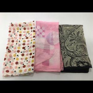 Accessories - Lot 3 vtg square head scarves retro